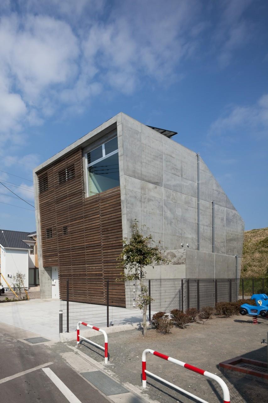 House in Fuji / LEVEL Architects, © Makoto Yoshida