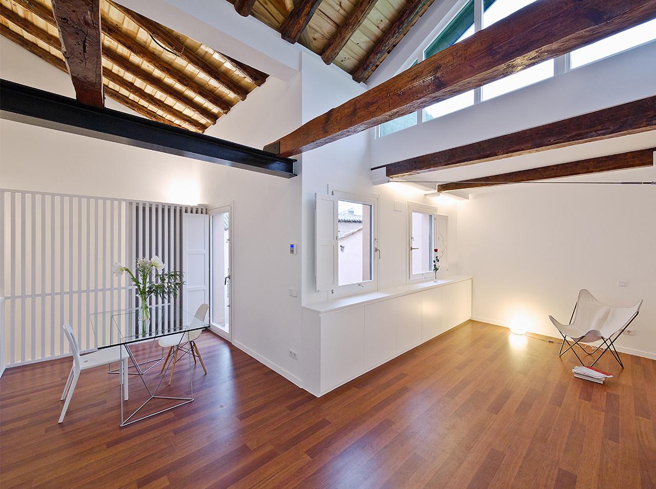 Toledo Apartment Renovation / Romero Vallejo Arquitectos, © Juan Carlos Quindós
