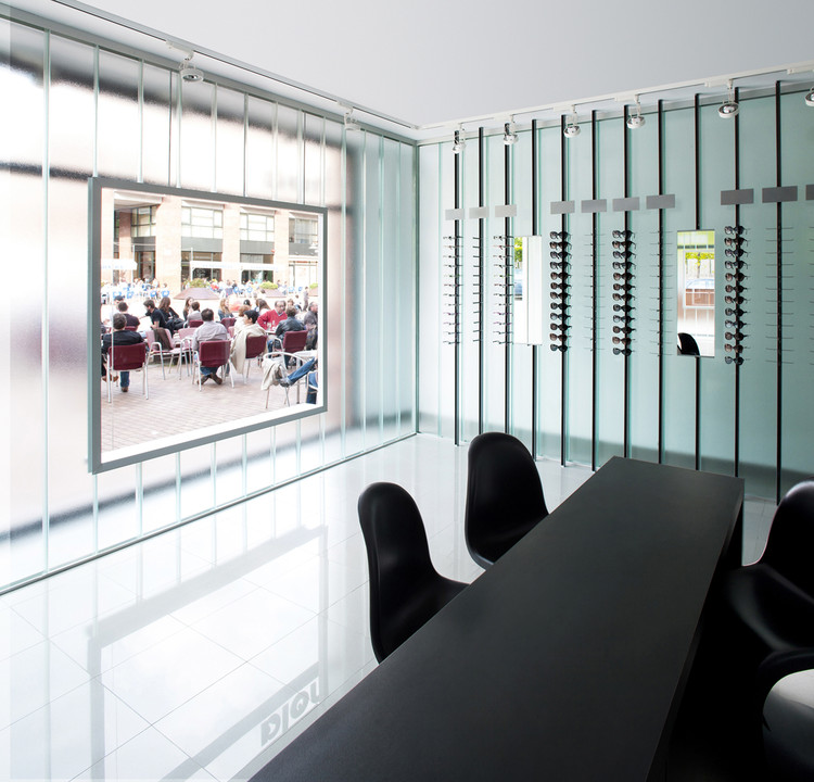 Optic Store in Olot / Cubus, Taller d'Arquitectura  , © Ignasi Pujol /Ambar Fotografía
