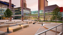 MediaCityUK Exterior Spaces / Gillespies