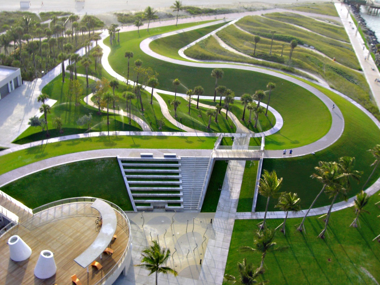 South pointe park hargreaves associates archdaily for Park landscape design