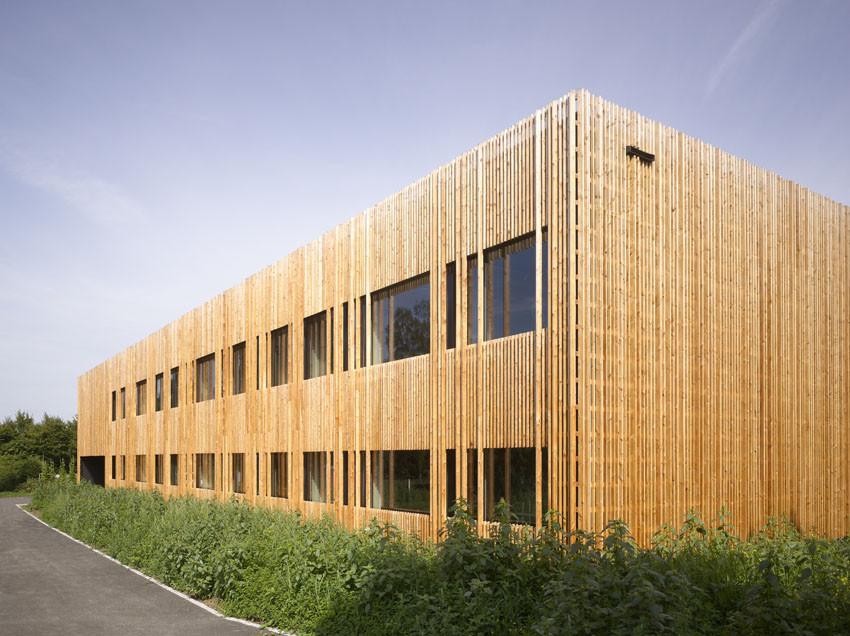 Classroom Extension and Sports Hall / Zwimpfer Partner Architekten +  Berrel Berrel Kräutler Architekten, © Johannes Marburger
