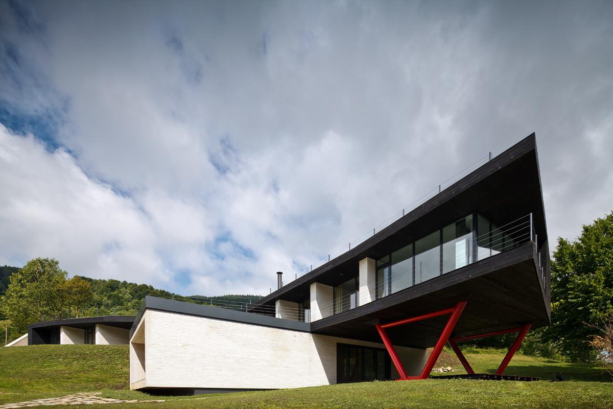 Hotel Atra Doftana / TECON Architects, © Cosmin Dragomir