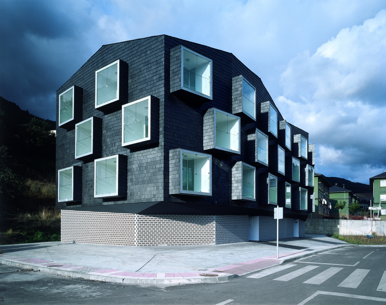Social Housing for Mine Workers / Zon-e Arquitectos | ArchDaily