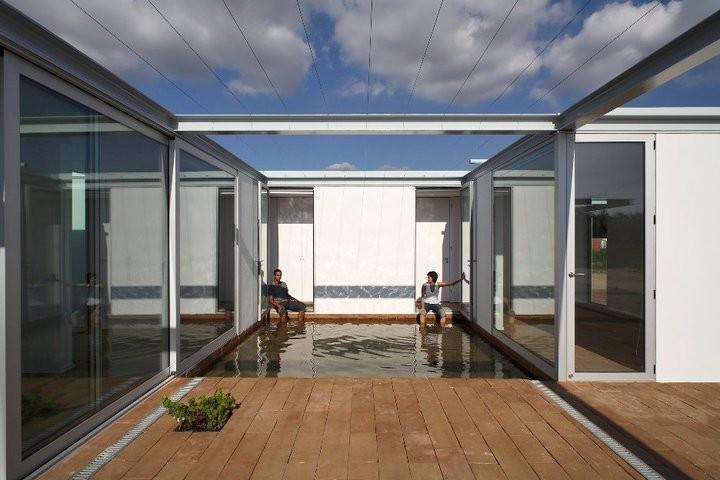 House in palmela pedro rogado catarina almada archdaily for Fotos patios interiores