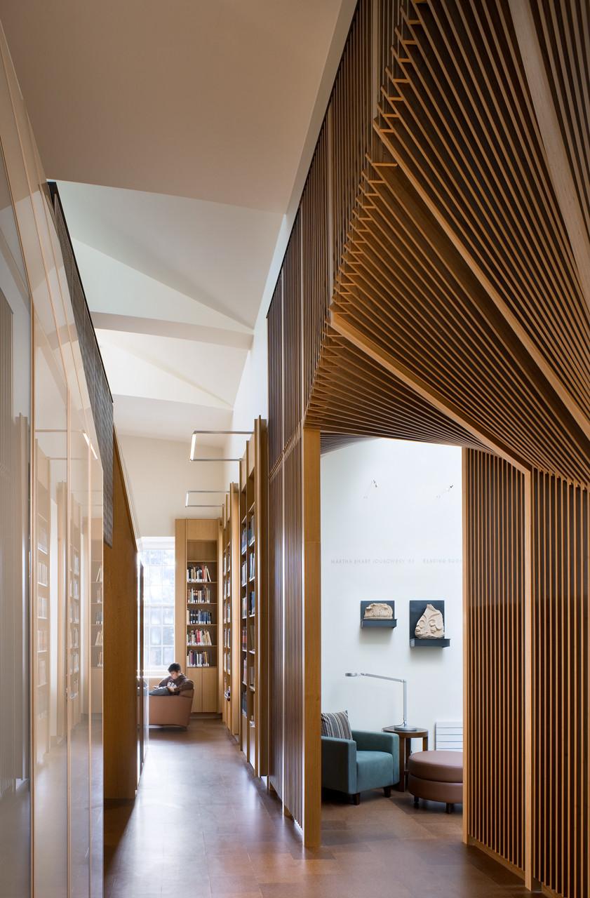 Joukowsky Institute / Anmahian Winton Architects, © Peter Vanderwarker