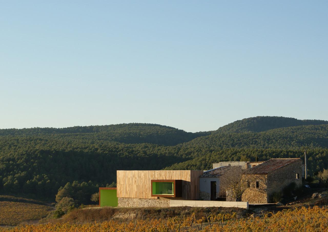 Spring in Pantone 375C, Mas Rodó Winery / SALA FERUSIC Architects, Courtesy of  sala ferusic architects
