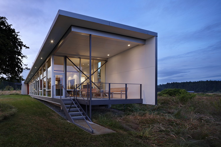 Roundy Residence / The Miller Hull Partnership, ©  Benjamin Benschneider