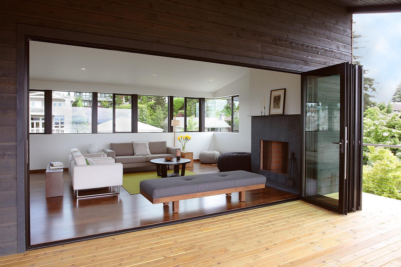 Gallery of magnolia residence heliotrope architects 10 for Puertas para jardin interior
