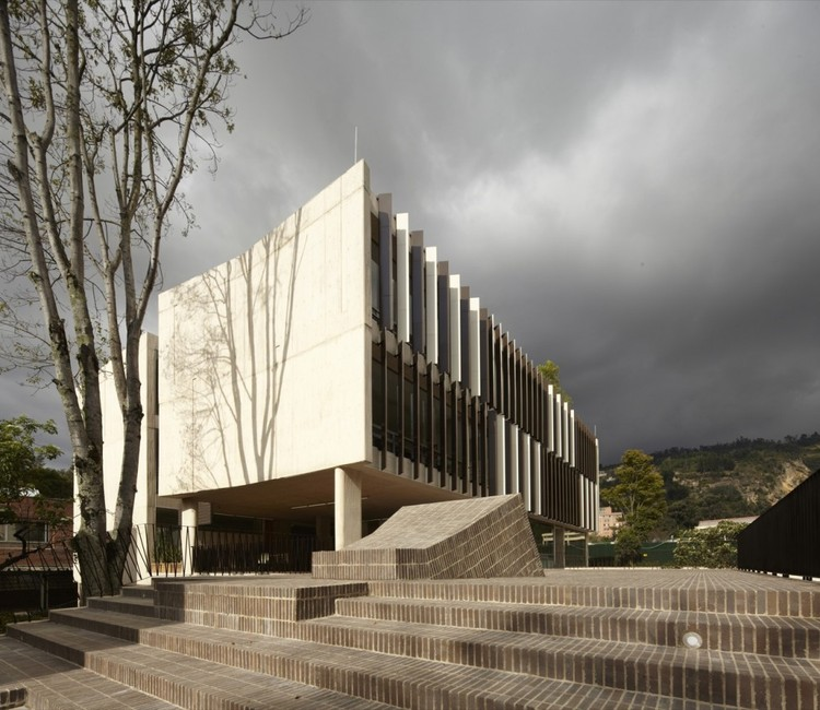 Gimnasio campestre mgp arquitectura y urbanismo archdaily for Arquitectura y urbanismo
