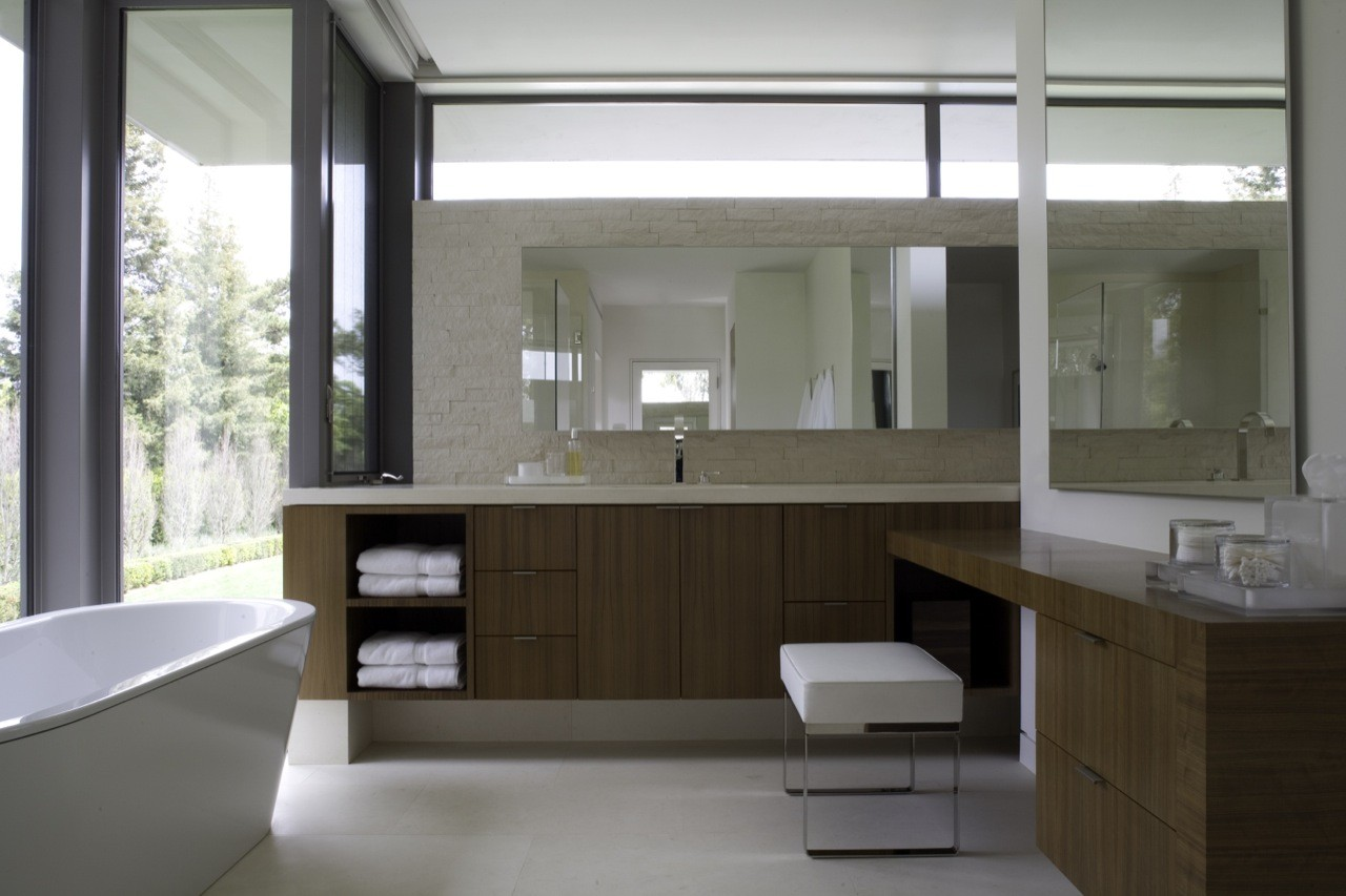 Gallery of brentwood residence belzberg architects 29 for Salle de bain villa moderne playmobil