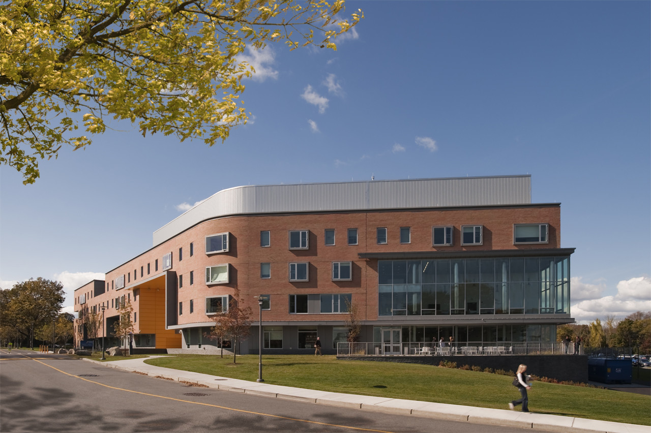 RWU North Campus Residence Hall / Perkins+Will | ArchDaily