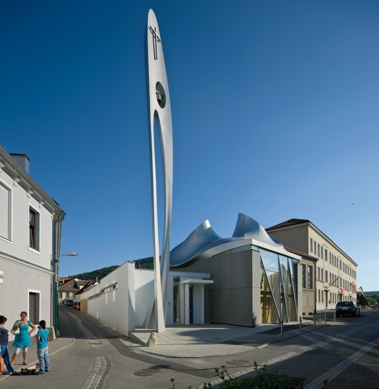 Martin Luther Church in Hainburg / Coop Himmelb(l)au, © Duccio Malagamba