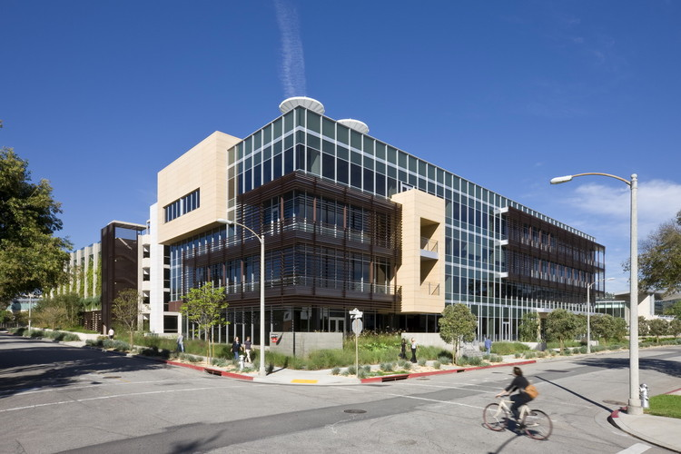 Edificio de Oficinas 331 Calle Foothill / Ehrlich Yanai Rhee Chaney Architects, © RMA Architectural Photographers