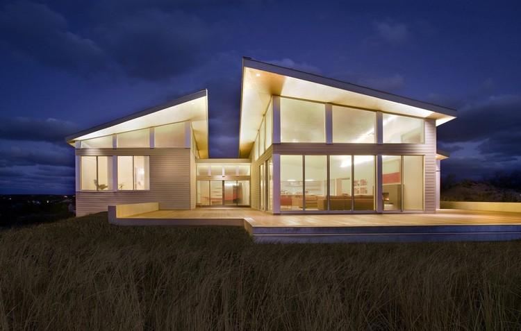 Truro Residence / ZeroEnergy Design, © Eric Roth Photography