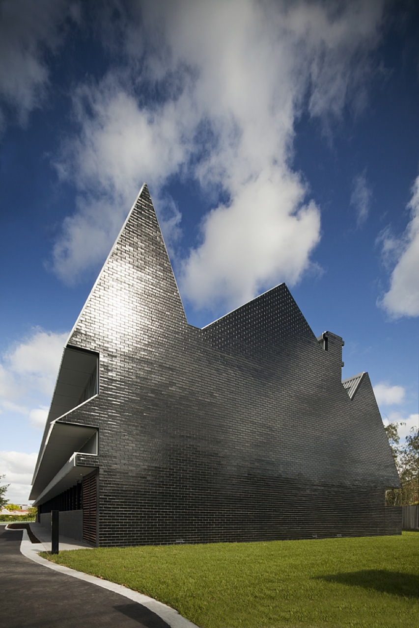 Mcbride Charles Ryan Office Archdaily - Klein-bottle-house-by-mcbride-charles-ryan
