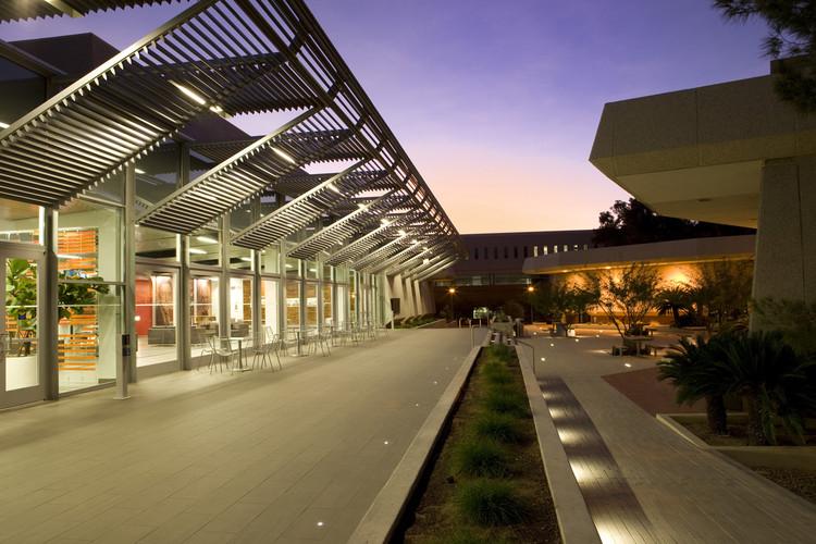 University of Arizona James E. Rogers College of Law Renovation / Gould Evans, ©  Roland Bishop
