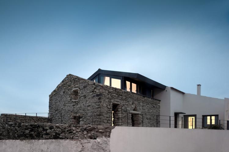 Cabrela House / Orgânica Arquitectura, © Fernando Guerra |  FG+SG
