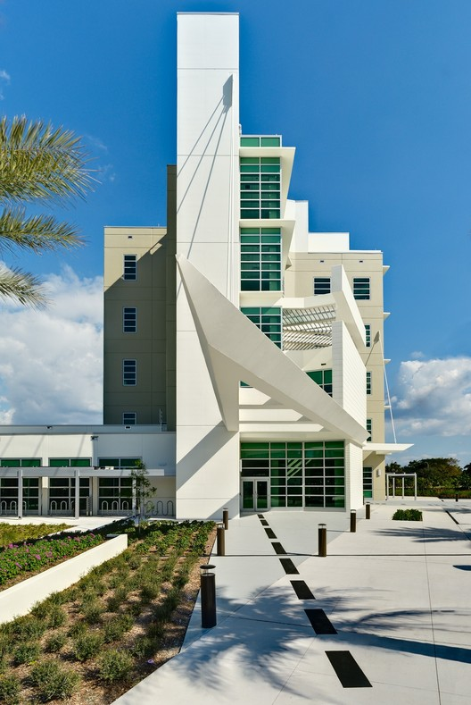 FAU College of Computer Science and Engineering Building / Leo A Daly, © Island Studios Photography - Stuart Gobey