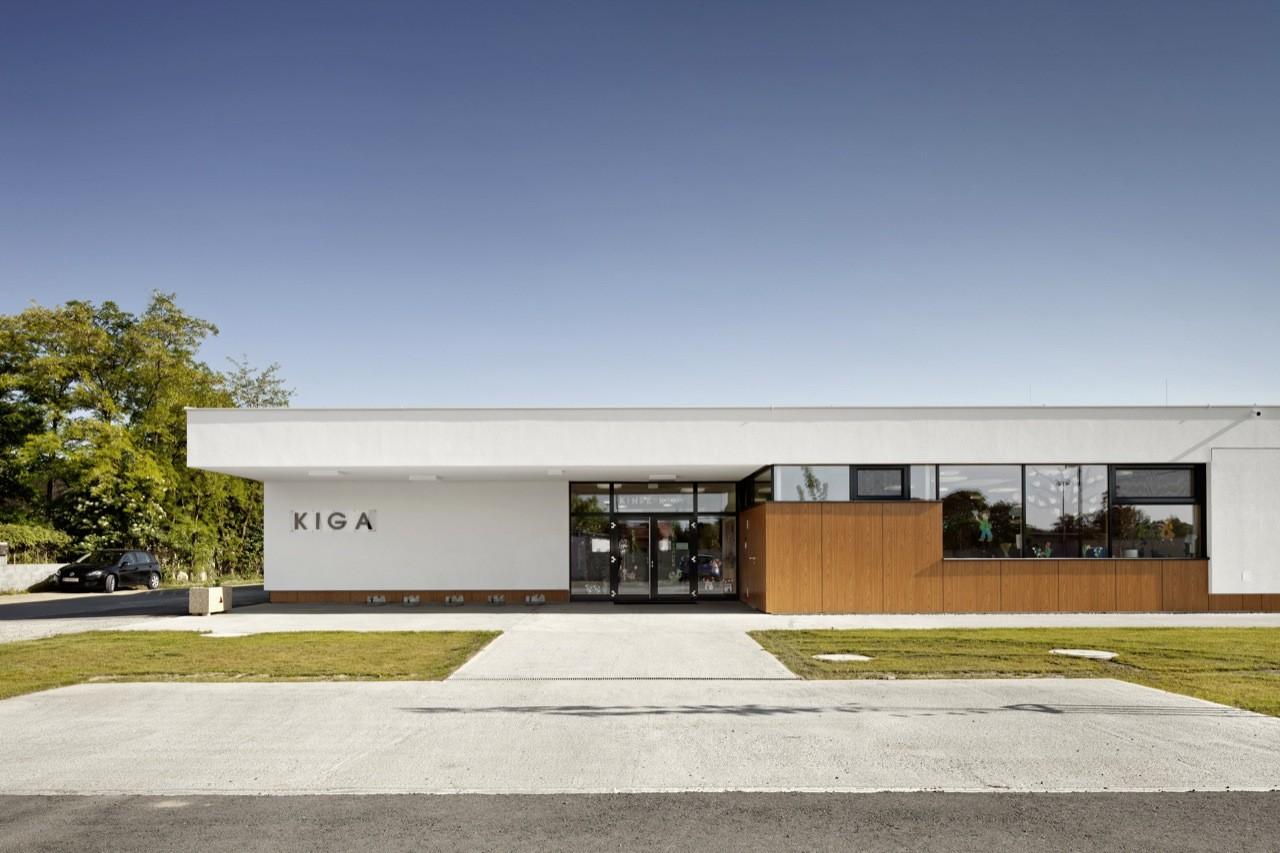 Kinder Garden: Neufeld An Der Leitha Kindergarten / Solid Architecture