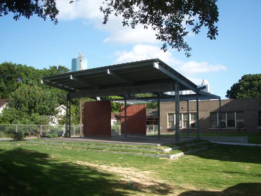 © 2011 McReynolds Middle School Solar Shade Tree © Patrick Peters