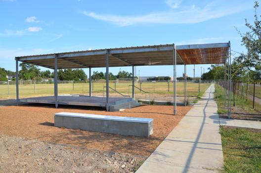 © 2011 McReynolds Middle School Solar Shade Tree © Erin Ferguson