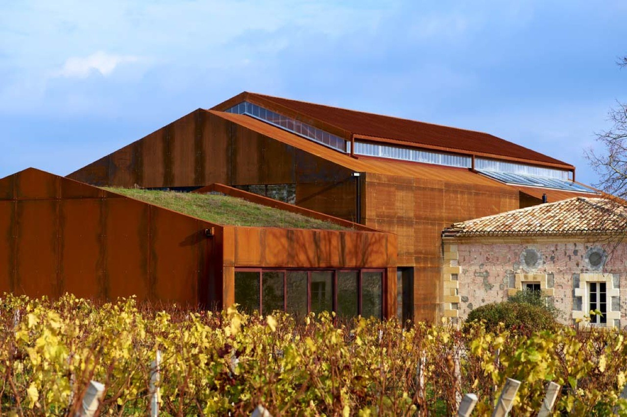 Chateau barde haut winery nadau lavergne architects for Winery floor plans by architects