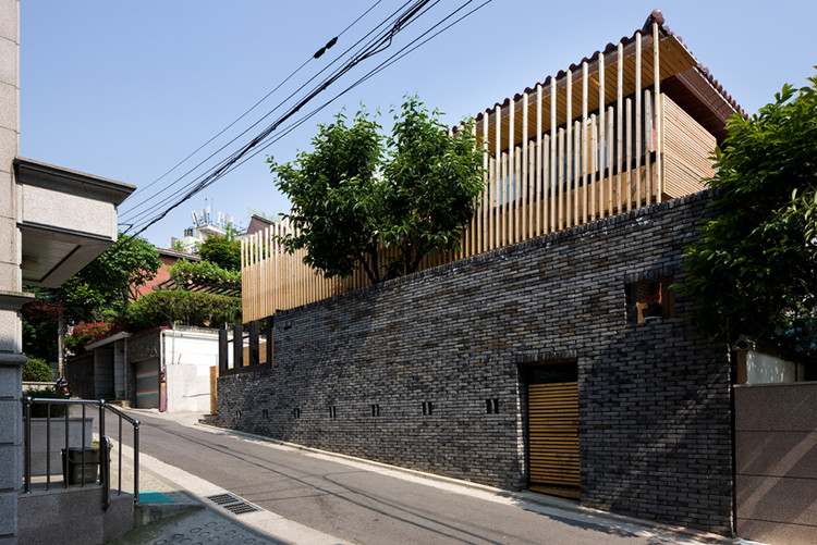 Julia's House / Moohoi Architecture, © Park Young-chae