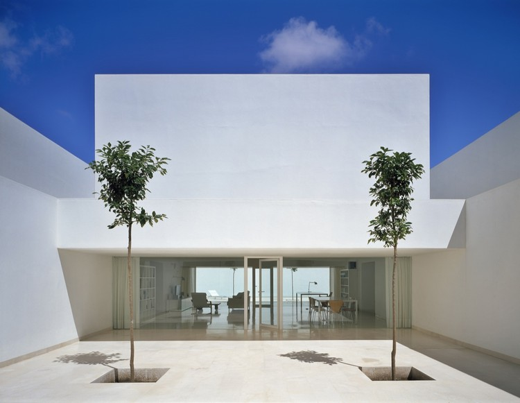 Guerrero House / Alberto Campo Baeza, © Roland Halbe