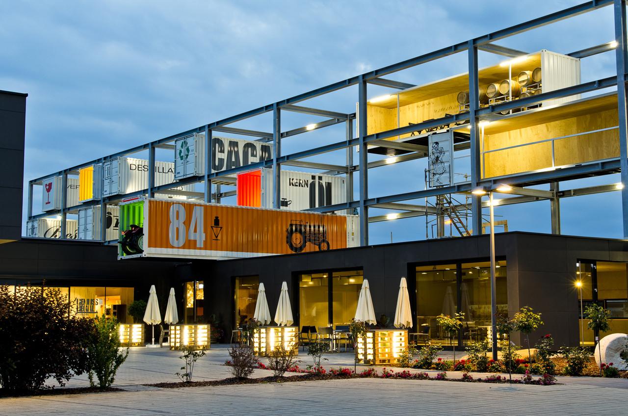 genussregal exhibition bwm architekten partner archdaily. Black Bedroom Furniture Sets. Home Design Ideas