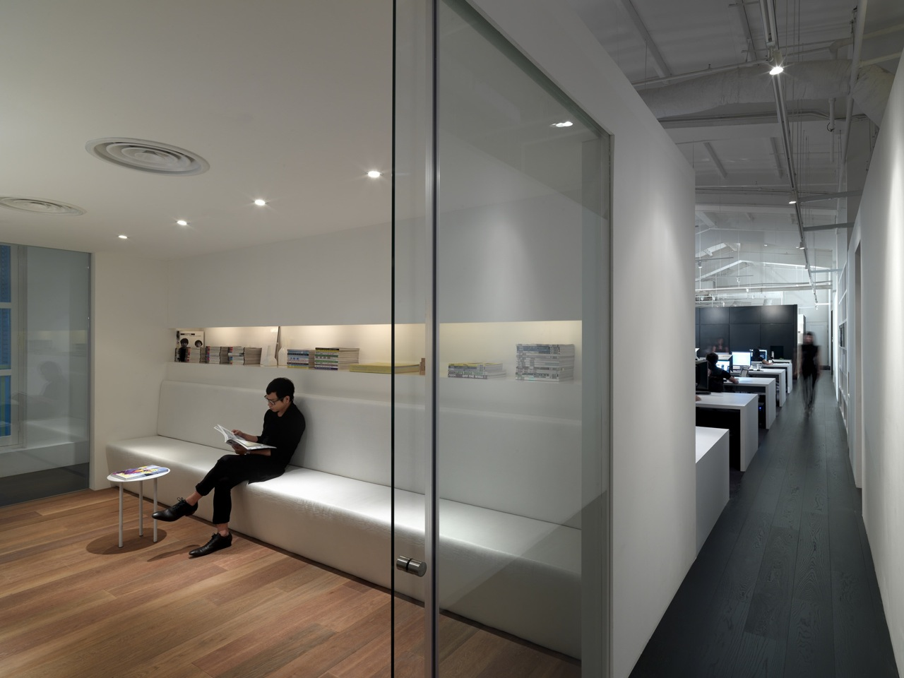 Mod office ministry of design archdaily for Office glass door entrance designs