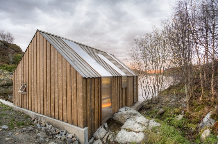Boathouse tyin tegnestue archdaily - Casa ultramoderna ...
