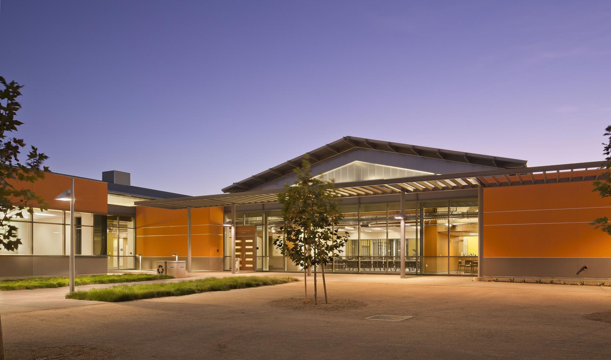 Wbf Lab Flad Architects Archdaily