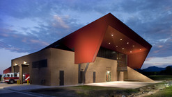 Boulder Regional Fire Training Facility / Roth Sheppard Architects