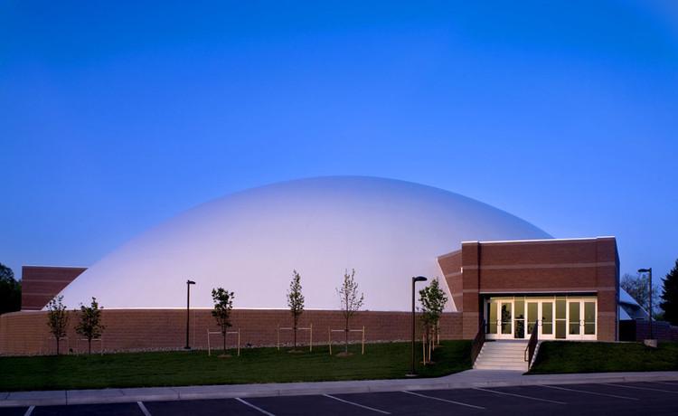 Mile Hi Church Sanctuary / Fentress Architects, © Jerry Butts