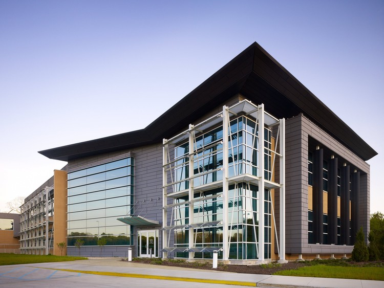 Advanced Energy Center, Stony Brook University / Flad Architects, © Steve Hall of Hedrich Blessing