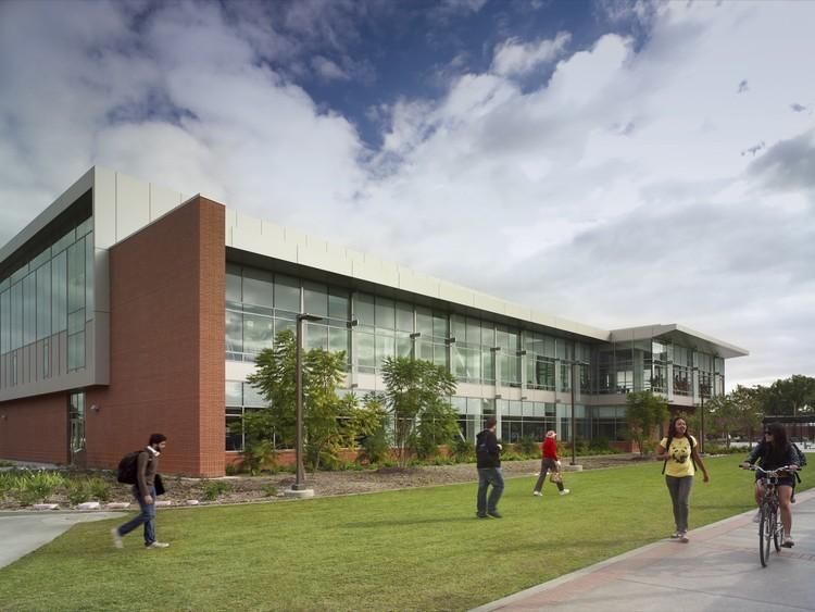California State University Student Recreation Center / Cannon Design, © Brad Feinknopf