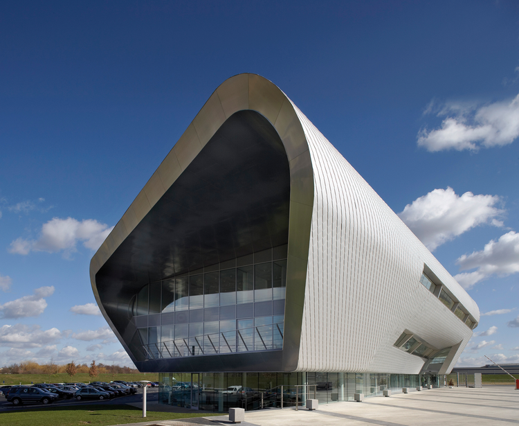 TAG Farnborough Airport / 3DReid Architects