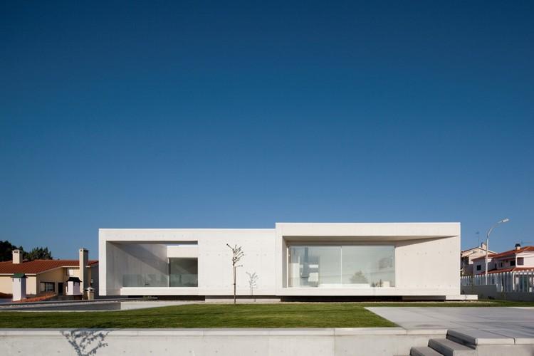 House in Leiria / ARX Portugal, © Fernando Guerra |  FG+SG