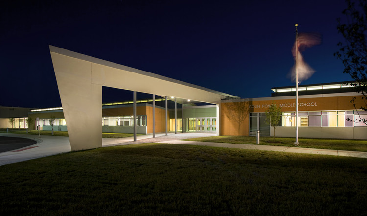 Colin Powell Middle School / Legat Architects, Inc., ©  James Steinkamp