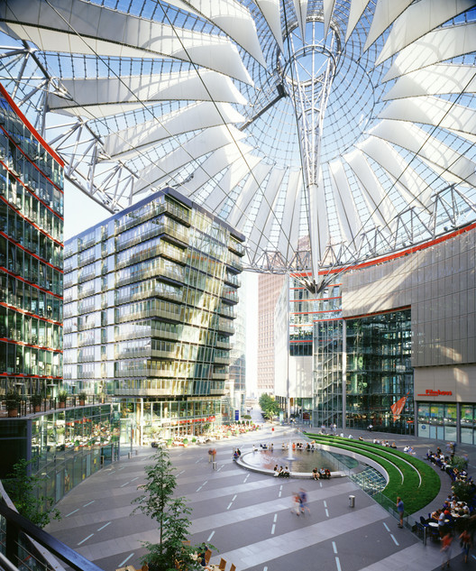 Flashback: Sony Center Berlin / Murphy Jahn