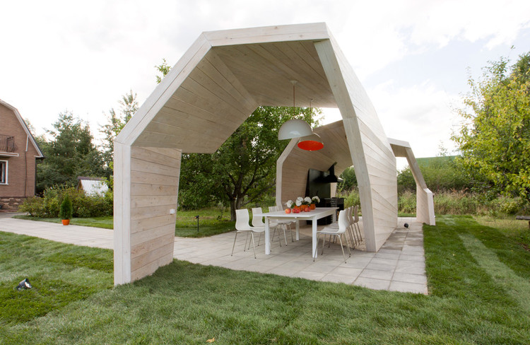 Gazebo for TV Show / Za Bor Architects, © Peter Zaytsev