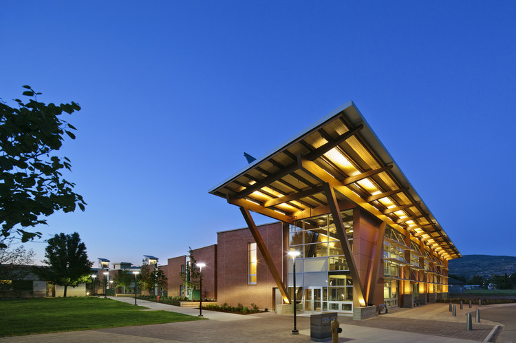 Okanagan College Centre of Excellence in Sustainable Building Technologies and Renewable Energy Conservation / CEI, © Ed White Photographics