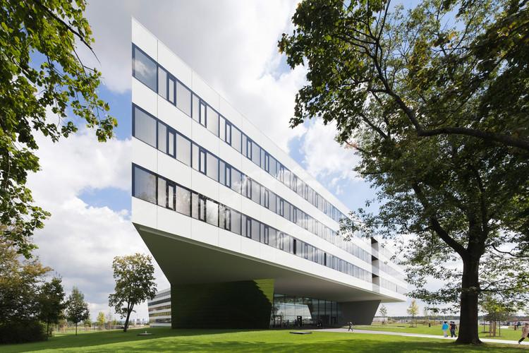 Adidas Laces / kadawittfeldarchitektur, © Werner Huthmacher