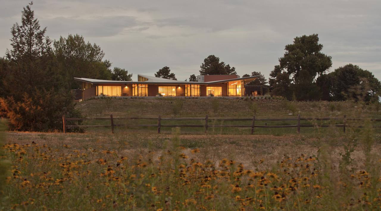 Kent Denver Dining Hall / Semple Brown Design, © Ron Pollard Photography