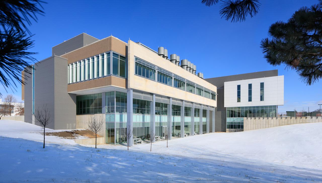 University Hygienic Laboratory / OPN Architects, © Wayne Johnson,  Main Street Studio