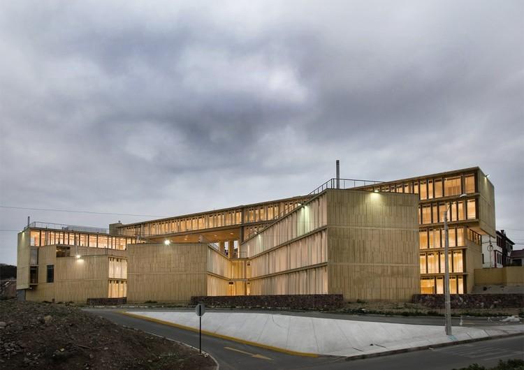 MOPTT Building in La Serena / Teodoro Fernández Arquitectos, © Rodrigo Opazo