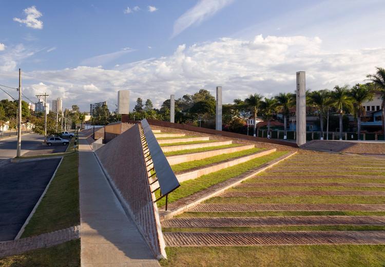 Pampulha Square / Arquitetos Associados, © Eduardo Eckenfels