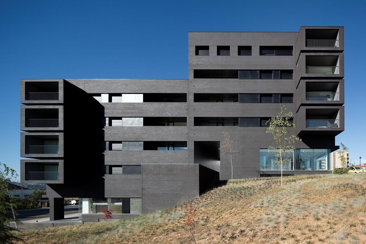 0500EET Entroncamento Housing / Belém Lima Arquitectos, © Fernando Guerra | FG + SG