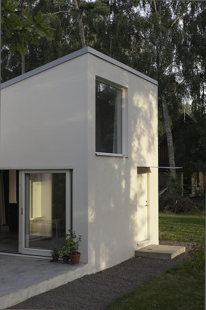 Scandinavian Small House Design: Gallery Of Small Swedish House / DinellJohansson
